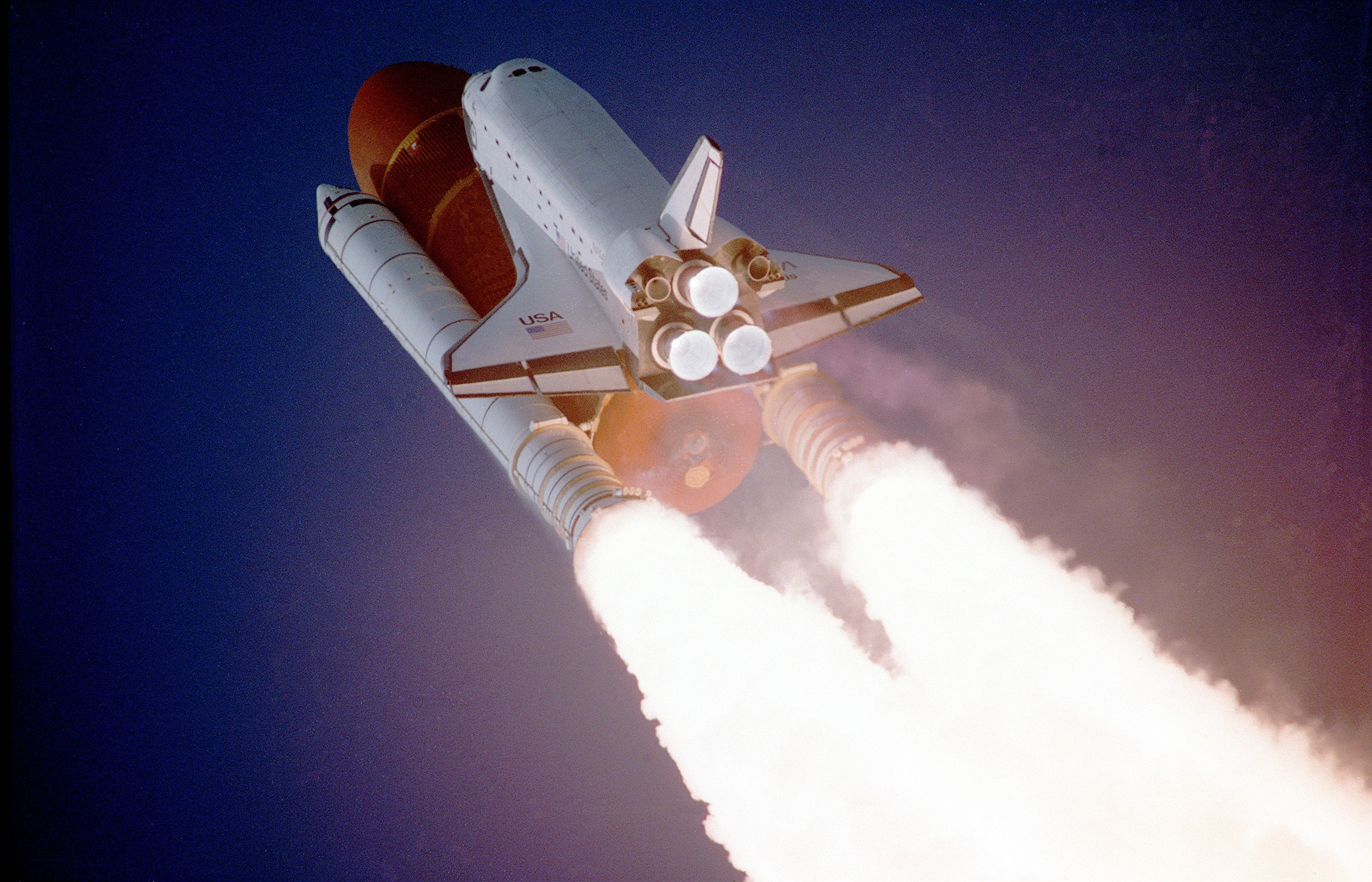space_shuttle_liftoff_liftoff